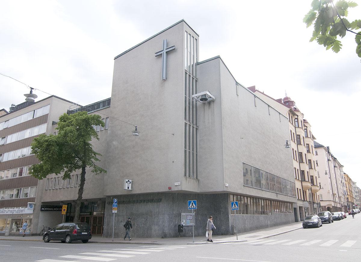 Församlingens plusgirokonton stängs